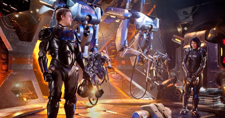 Ação com Guillermo Del Toro é a principal estreia da semana