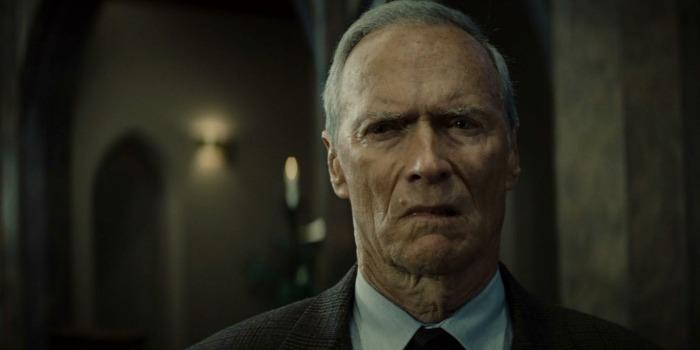 Clint Eastwood negocia para dirigir filme sobre piloto de avião herói nos EUA
