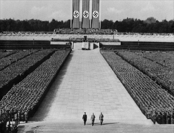 O Triunfo da Vontade, de Leni Riefenstahl
