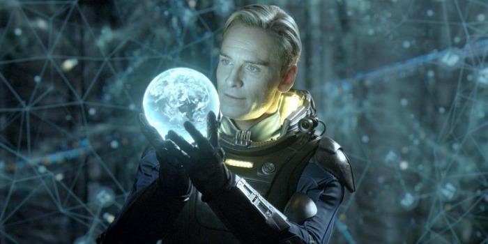 Michael Fassbender em Prometheus, de Ridley Scott