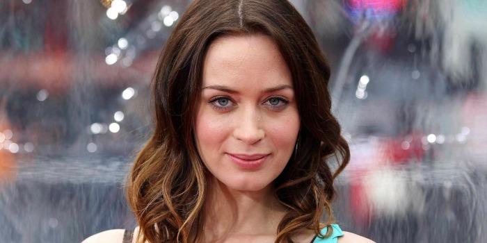 Emily Blunt pode ser vilã em sequência de Branca de Neve e o Caçador