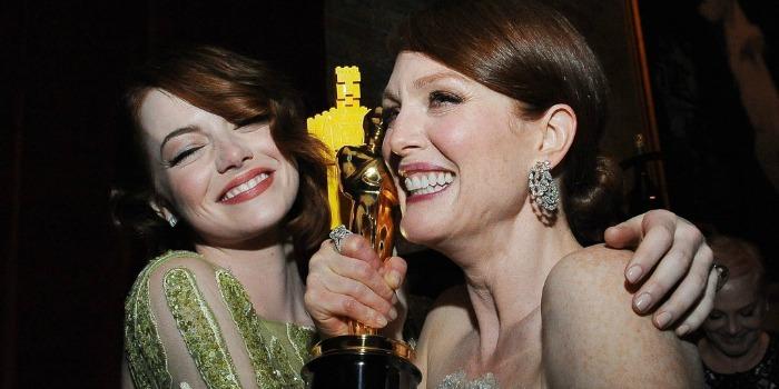 Bailes animam a noite dos artistas em Hollywood após Oscar
