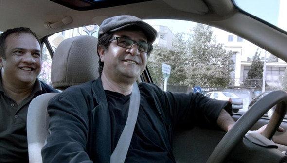 Iraniano Táxi vence o Urso de Ouro do Festival de Berlim