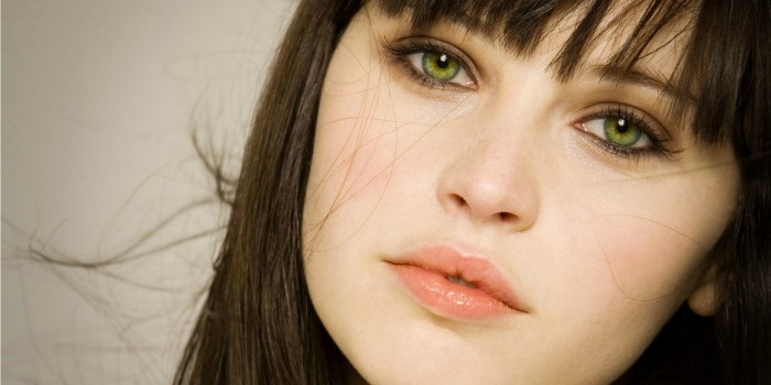 Felicity Jones está confirmada em spin-off de Star Wars