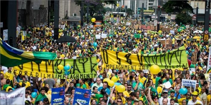 Protestos reduzem em até 75% público dos cinemas da Avenida Paulista, diz jornal