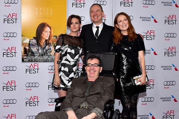 Richard Glatzer, acompanhado de Wash Westmoreland e das atrizes Kristen Stewart e Julianne Moore