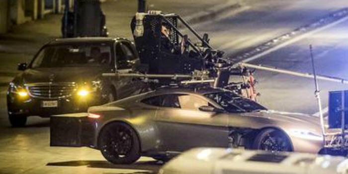 Daniel Craig se machuca novamente gravando novo 007