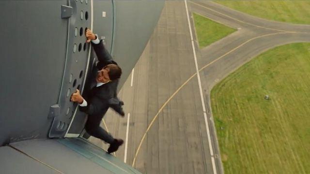 """Tom Cruise revela que estava """"apavorado"""" ao fazer cena perigosa no novo """"Missão Impossível"""""""