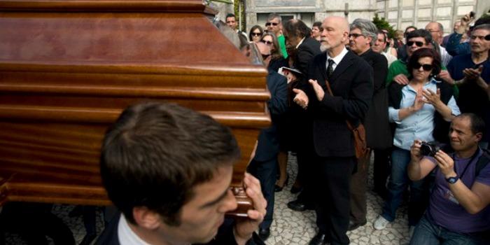 Funeral de Manoel de Oliveira no Porto reúne autoridades e artistas