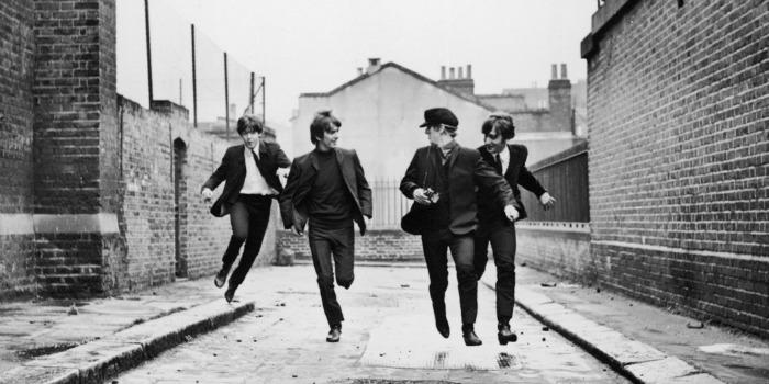 """Filmagens inéditas dos Beatles na rodagem de """"Help!"""" serão leiloadas"""