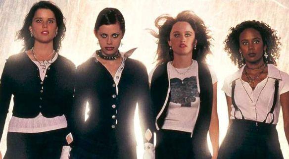 "Terror noventista ""Jovens Bruxas"" tem refilmagem anunciada"