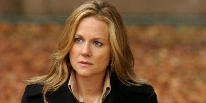 Laura Linney negocia para estrelar o suspense 'The Dinner'