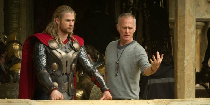 """Diretor Alan Taylor afirma que trabalhar para a Marvel em """"Thor 2"""" foi """"uma experiência desgastante"""""""