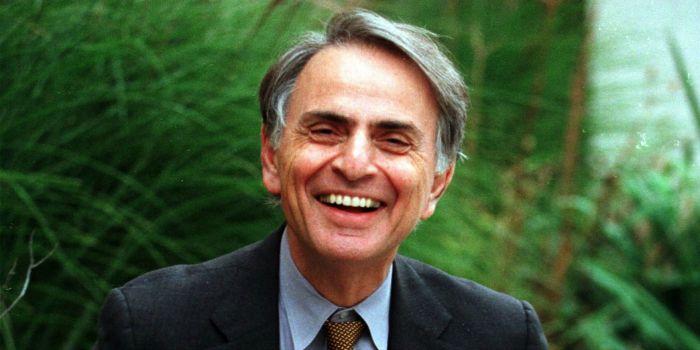 Vida do astrofísico Carl Sagan pode virar filme
