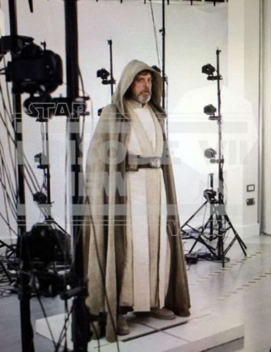 Luke Skywalker/Mark Hamill no set de Star Wars: O Despertar da Força