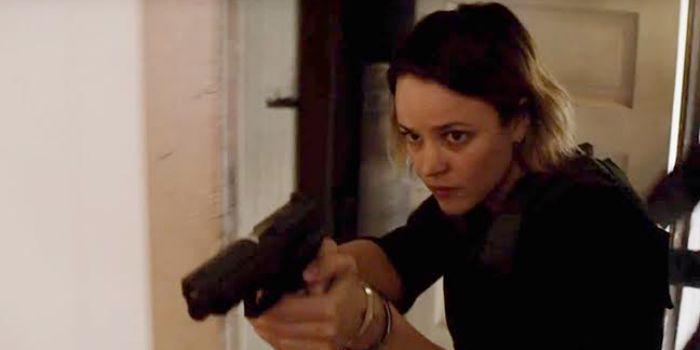 Rachel McAdams em cena de True Detective