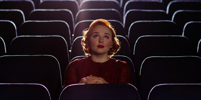 10 coisas que o namorado de uma cinéfila tem que aguentar