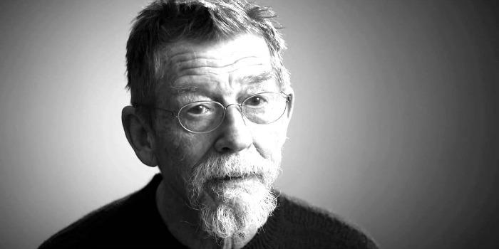 Estrela de 'O Expresso da Meia-Noite', John Hurt morre ao 77 anos