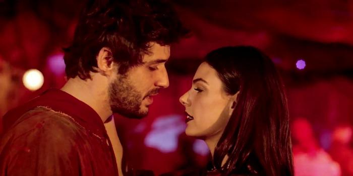 'Amor.com': Isis Valverde salva comédia romântica do esquecimento