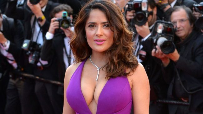 Salma Hayek entra para o elenco do drama 'The Hummingbird Project'