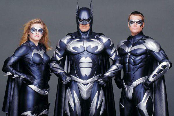 Joel Schumacher admite profundo arrependimento por 'Batman & Robin'