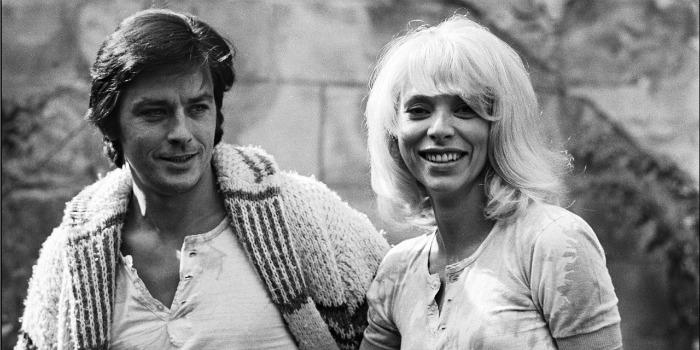 Alain Delon diz que Mireille Darc foi a mulher de sua vida