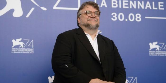 Guillermo del Toro encanta Festival de Veneza com 'conto de fadas'