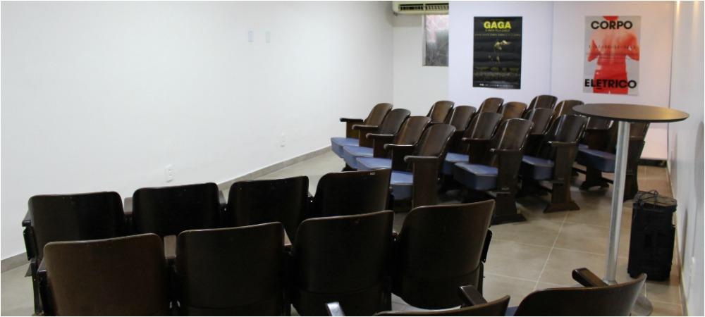 Cinema de rua do centro de Manaus promove sessão com filme surpresa neste domingo