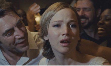 Darren Aronofsky fala sobre processo traumatizante para finalizar 'mãe!'