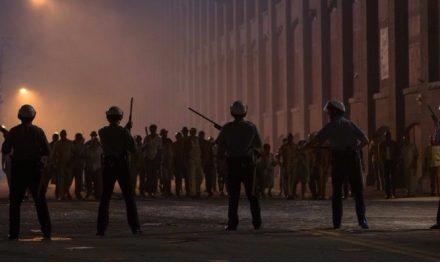 'Detroit em Rebelião': longa duração diminui a força do novo filme de Bigelow