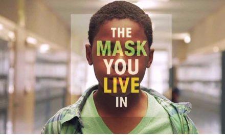 'The mask you live in': sob quais máscaras se constrói a sociedade?