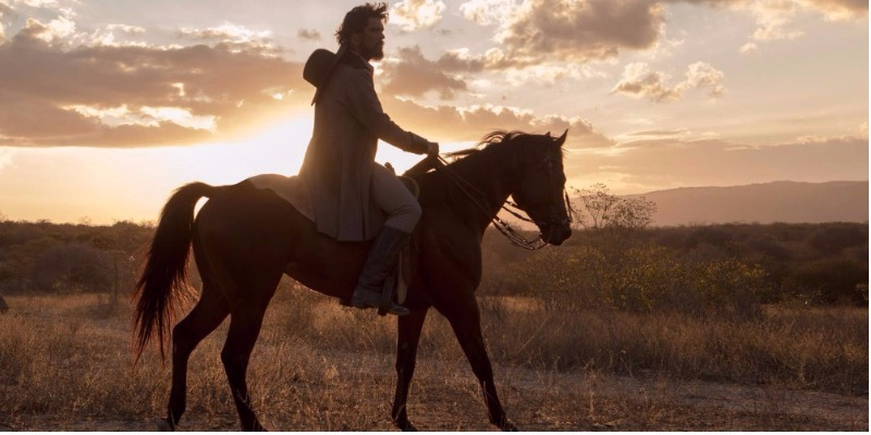 'O Matador': filme nacional do Netflix resgata Nordeste exagerado e violento