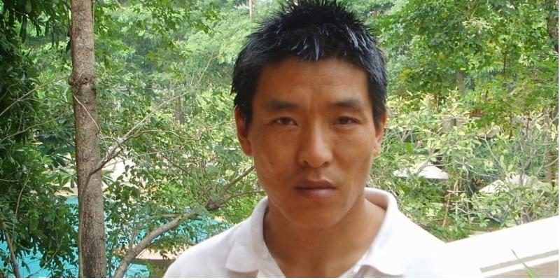 Cineasta tibetano preso após fazer documentário foge da China e chega aos EUA