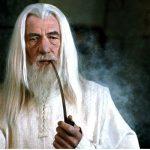 Ian McKellen se escala para viver Gandalf em série de 'O Senhor dos Anéis'