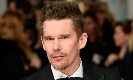 Ethan Hawke será gênio Nikola Tesla em nova cinebiografia