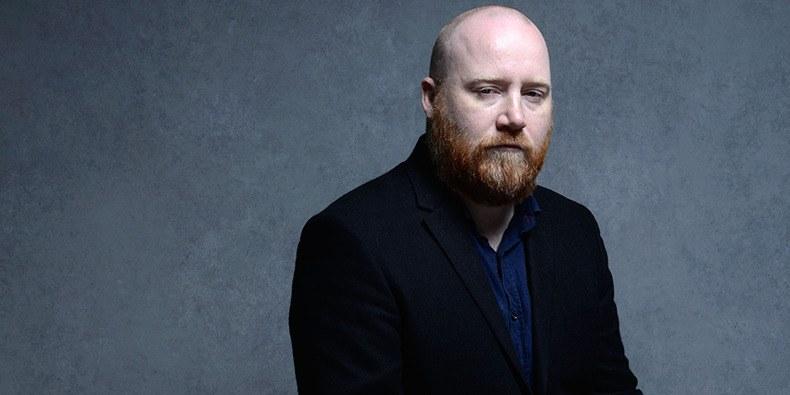 """Compositor da trilha de 'A Teoria de Tudo' e """"Sicario' morre aos 48 anos"""