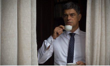 Eduardo Moscovis será político corrupto na adaptação da HQ 'O Doutrinador'