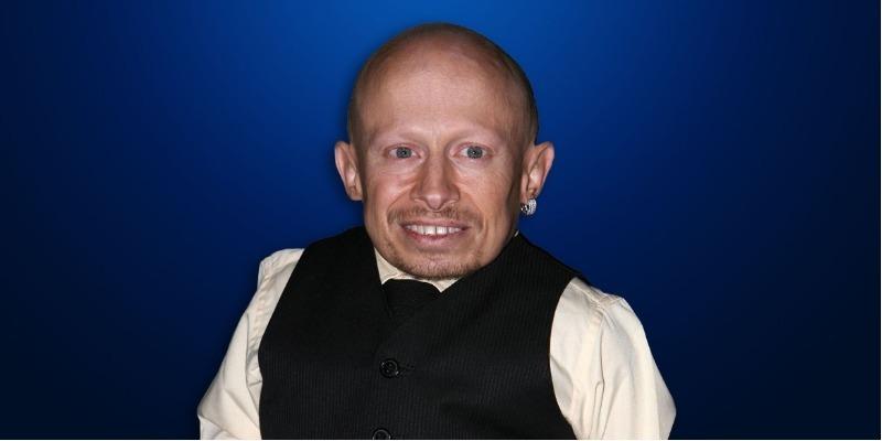 Intérprete de Mini-Me em 'Austin Powers' morre aos 49 anos