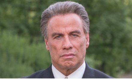 Novo filme de John Travolta obtém avaliação recorde negativa no Rotten Tomatoes