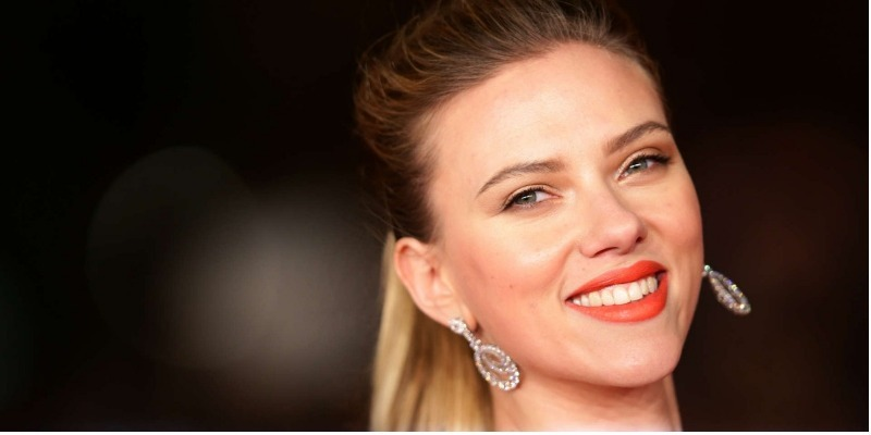 Novo filme de Scarlett Johansson abre debate sobre transgêneros em Hollywood