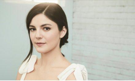 Monica Barbaro será par romântico de Miles Teller em 'Top Gun: Maverick'