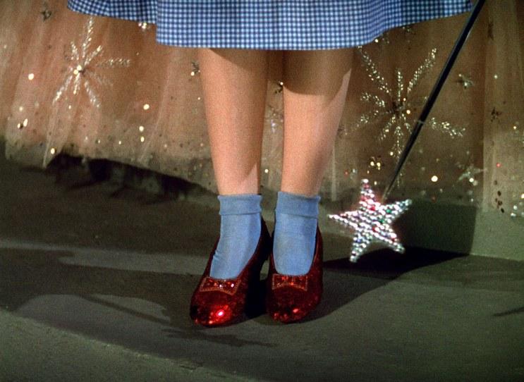 Sapatos de 'O Mágico de Oz' roubados há 13 anos são recuperados pelo FBI