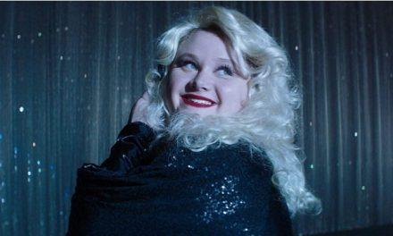 'Dumplin': estereótipos e falhas em novo fraco filme sobre a adolescente gorda