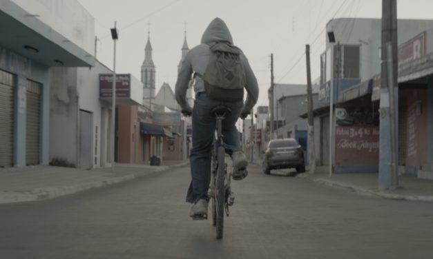 'Dias Vazios': drama adolescente maduro na abordagem de temas polêmicos