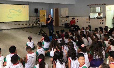 Escola municipal de Coari recebe sessões e oficinas de cinema gratuitas