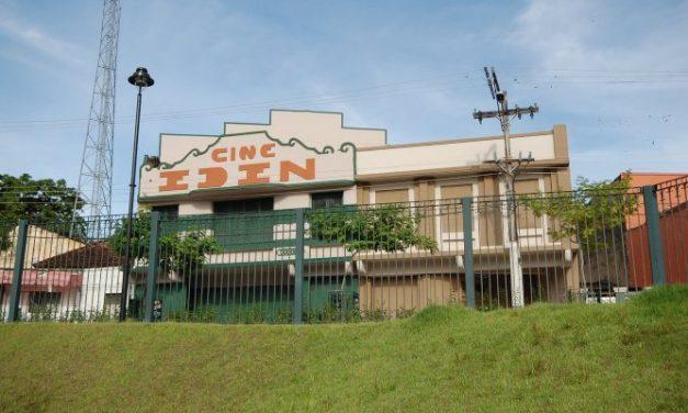 Passeio guiado revisita história dos cinemas antigos do Centro de Manaus