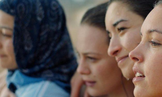 'Papicha': resistência feminina ao extremismo religioso em grande drama
