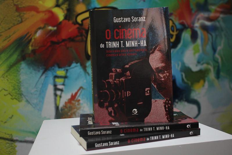 Gustavo Soranz lança livro 'O cinema de Trinh T. Minh-Há' em Manaus