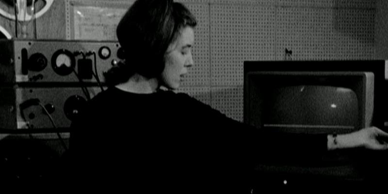 'Delia Derbyshire: The Myths and Legendary Tapes', o retrato multifacetado de uma viajante do tempo