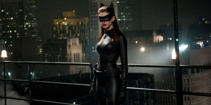 Anne Hathaway impõe condição para voltar a ser Mulher-Gato
